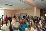 """Skolēnu un skolotāju """"Labo darbu"""" sienas atklāšana Viļa Plūdoņa Kuldīgas ģimnāzijā 2010.gada 3.septembrī projekta """"Skolas kā satelīti attīstības izglītībā"""" ietvaros"""