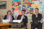 Diskusijas dalībnieki: Evija Dumpe no LR Ārlietu ministrijas, Dmitrijs Kuļšs no LR Izglītības un zinātnes ministrijas un Mārtiņš Mūrnieks no Sorosa fonda-Latvija