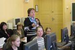"""Skolotāja A.Kostigova vada atklāto stundu """"Pasaule ienāk mūsu mājās""""  5.klases skolēniem"""